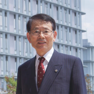 九州大学 総長 久保 千春