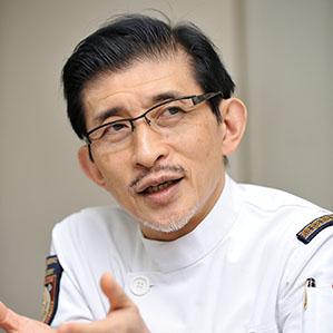 金沢医科大学病院 病院長  伊藤  透